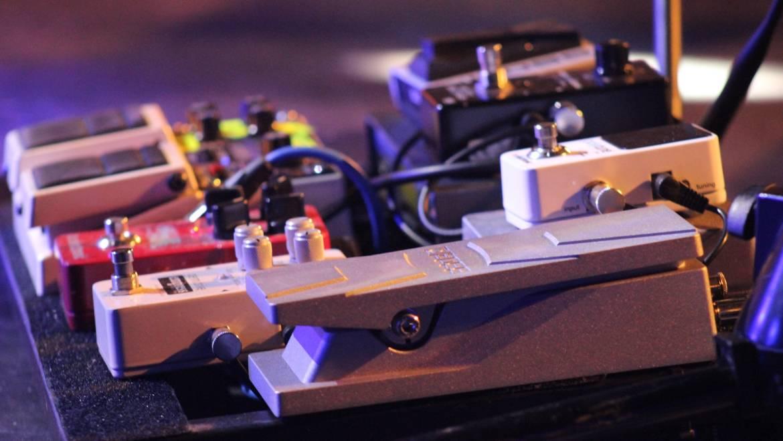 GUITAR & BASS TECHNOLOGY